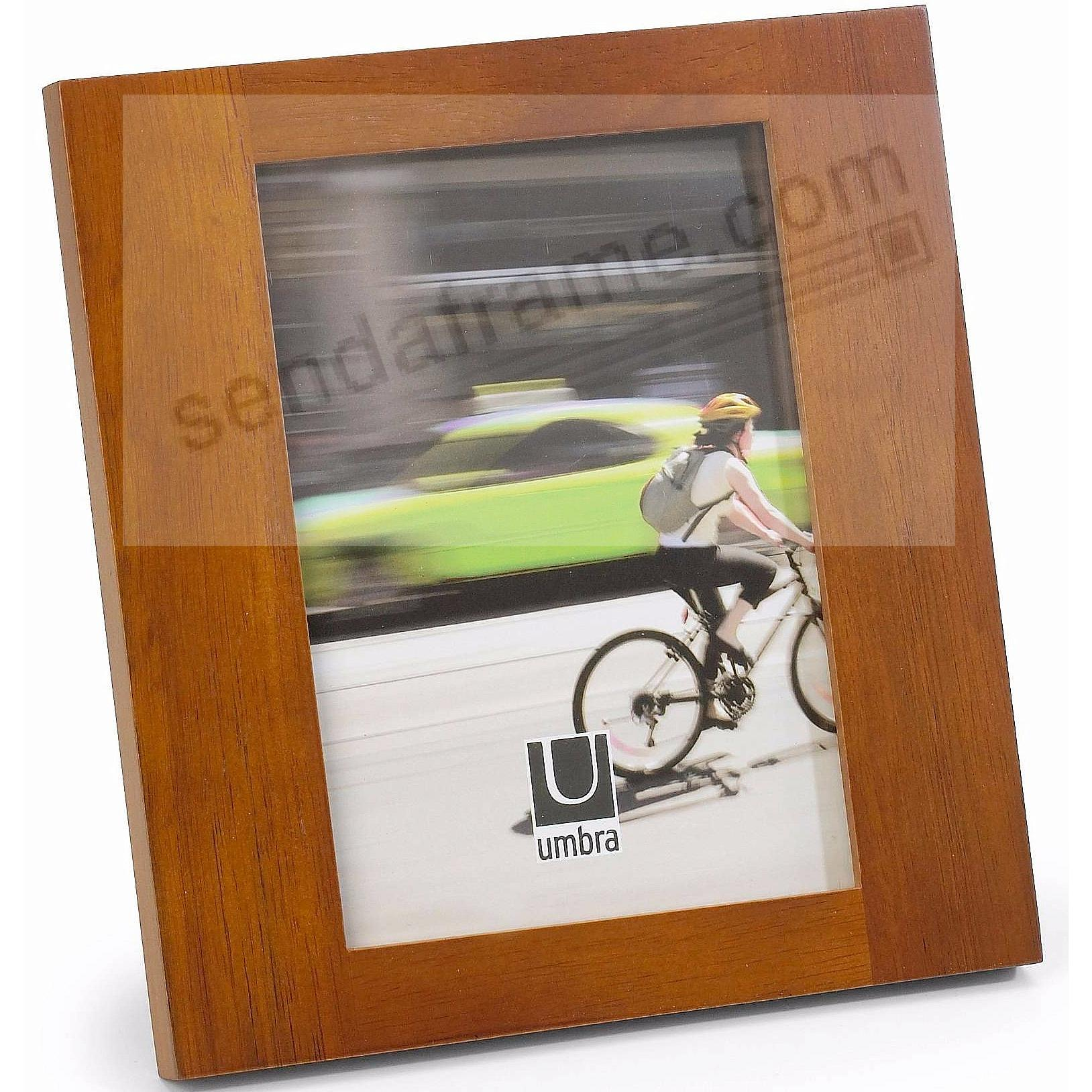 The SIMPLE 5x7 Chestnut Wood frame by Umbra®