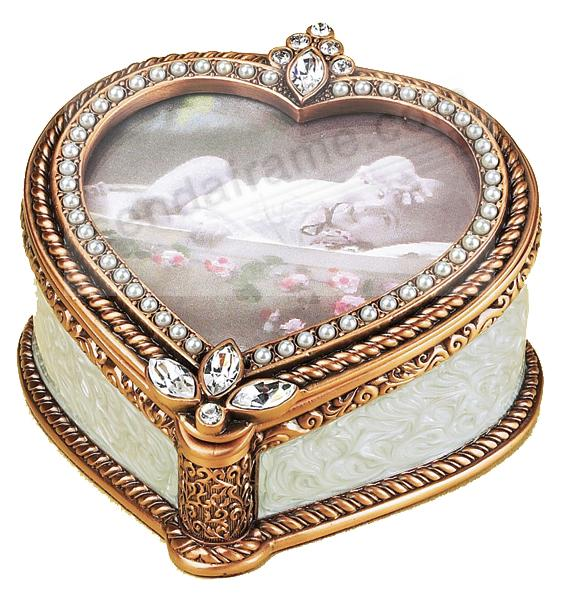 SERENADE Heart Frame Box with French glass pearls and Austrian Crystals by Edgar Berebi®