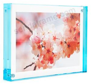 The original acrylic MAGNET FRAME with Aqua Edge by Canetti®