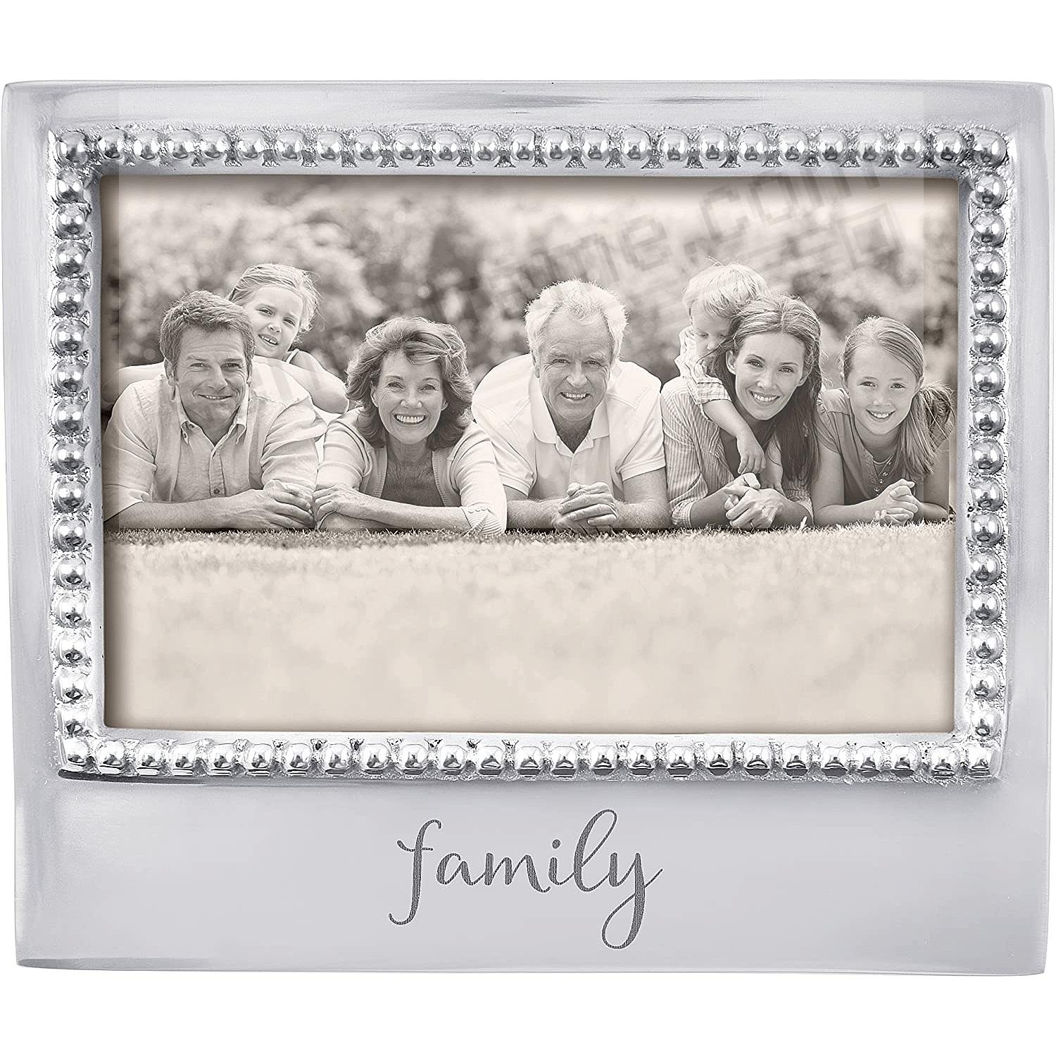 The original FAMILY Statement frame for 6x4 prints crafted by Mariposa®