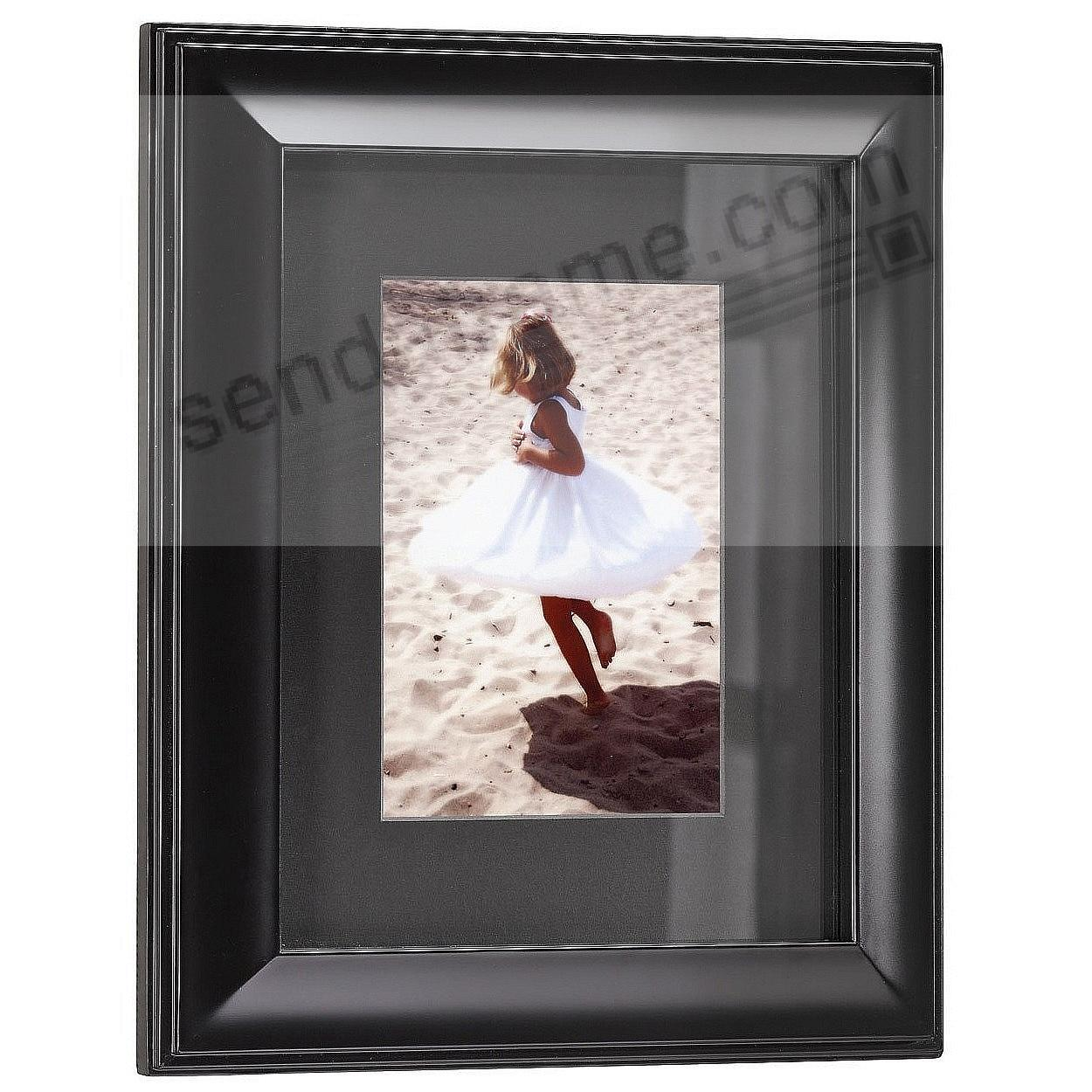 HUDSON Black-Matted Ebony-Black Wood frame 11x14/8x10 from ARTCARE® by Nielsen®