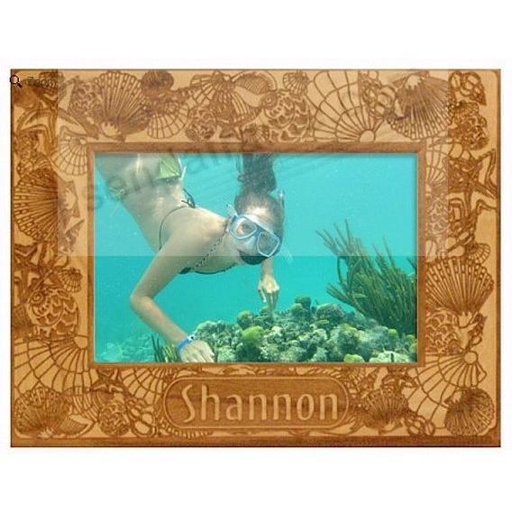 Celebrate your summer days with our personalized SEA SHELLS frame