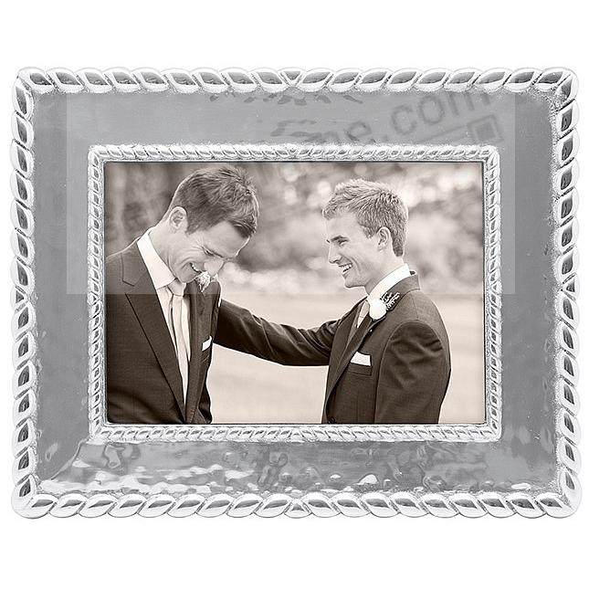 The MERIDIAN Frame for your 5x7 print by Mariposa®