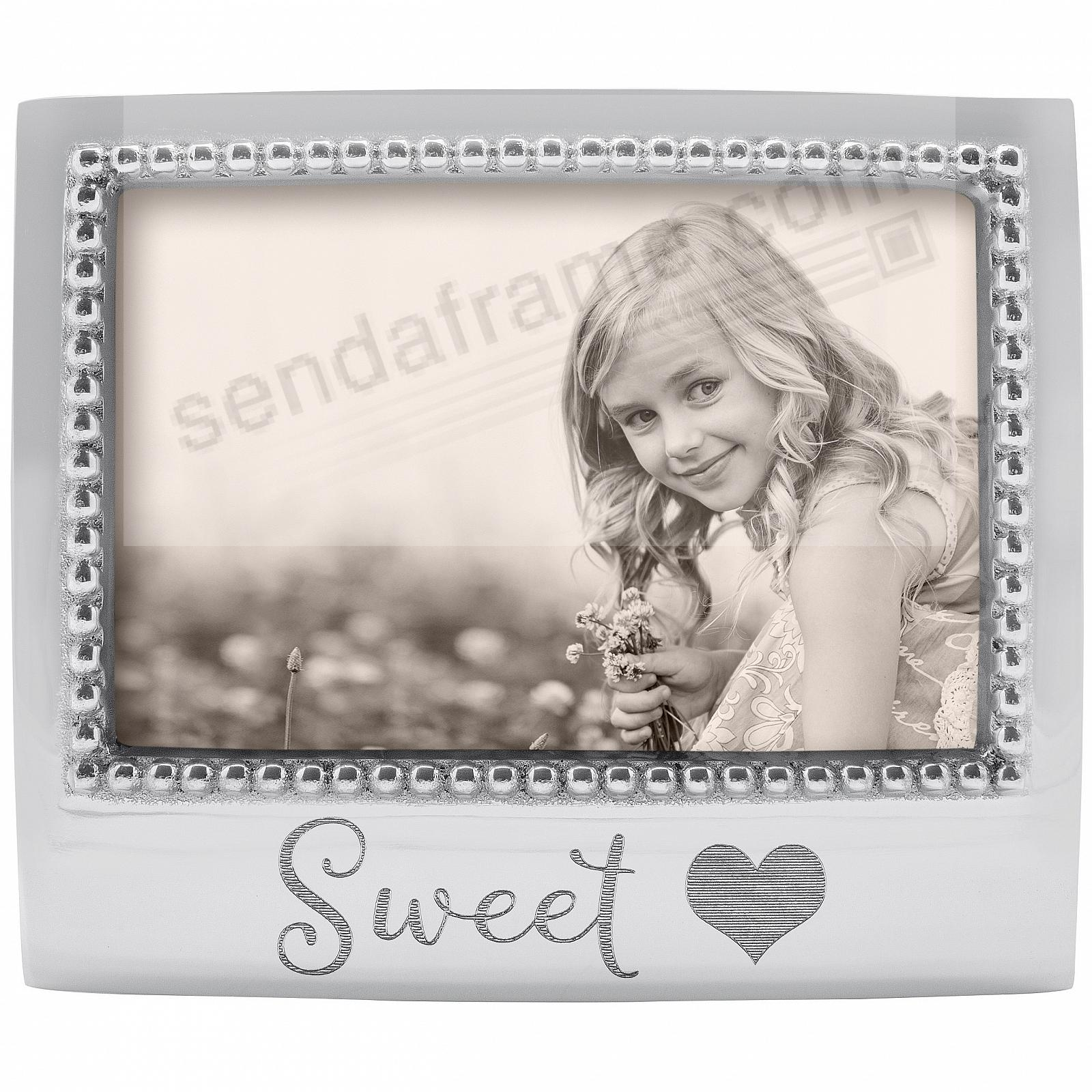 The original SWEET {HEART} Statement frame crafted by Mariposa®
