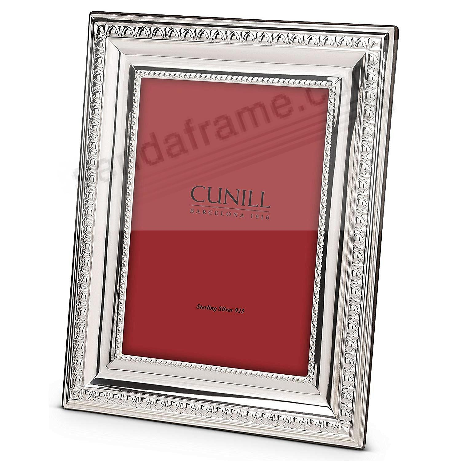 Bordering on Perfect:<br>the PRESTIGE fine sterling silver 8x10/7x9 by Cunill®
