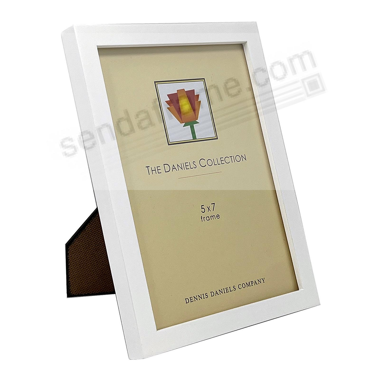 The Original DANIELS W41: Square Corner GALLERY WOODS Bright White finish 5x7 frame by Dennis Daniels®